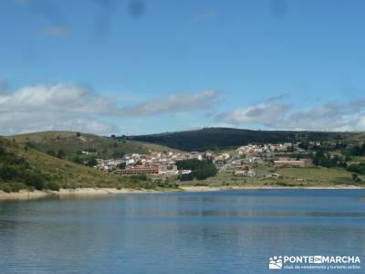 Descendiendo el Río Aceña; excursiones para grupos la bola del mundo madrid